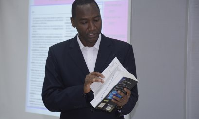 AAU Improves the English Skills through Dictionaries